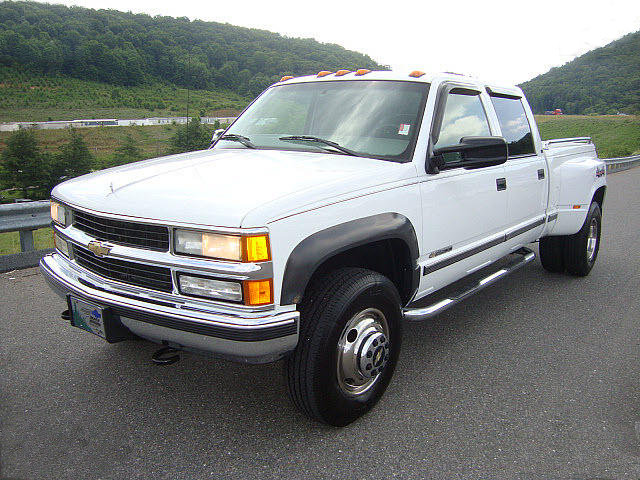 Chevy K3500 Crew Cab Dually