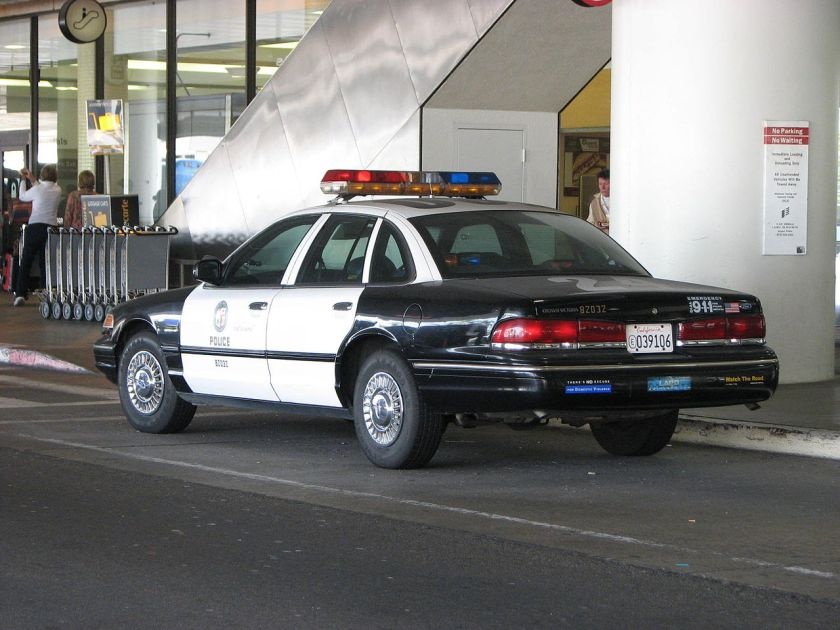 LAPD_Ford_Crown_Victoria_outside_LAX_-_Flickr_-_Highway_Patrol_Images