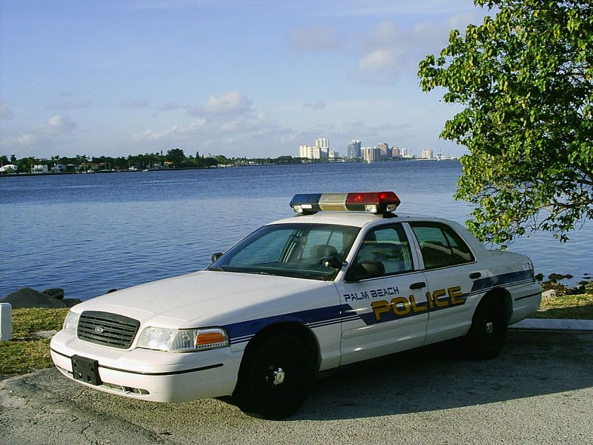 Police_car_Palm_Beach_FL_at_Lake_Worth