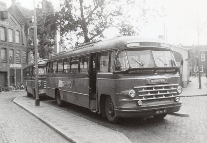 1953 Zescilinder Scania-Vabis Medema van de DAM, nummer 119.