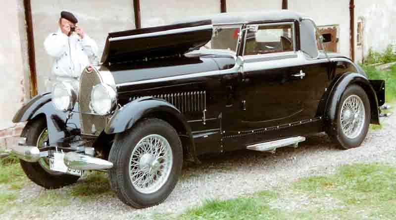 1928 Bugatti Type 44 Cabriolet