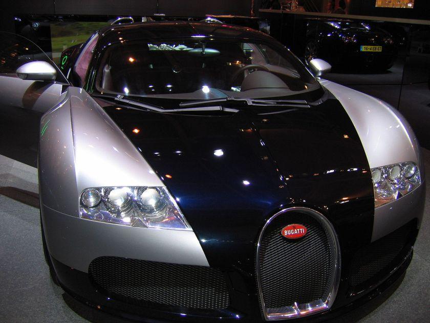 2004 Bugatti Veyron 16.4 op de Mondial de l'Automobile