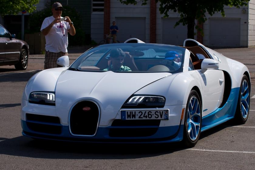 Bugatti Veyron Grand Sport Vitesse 'Le Ciel Californien' in Tampere, Finland