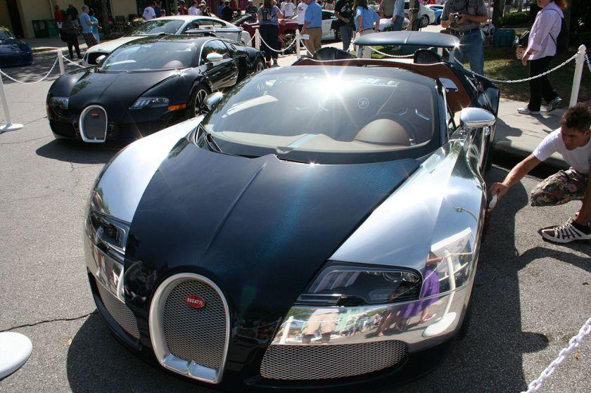 Bugatti Veyron SangBleuFront