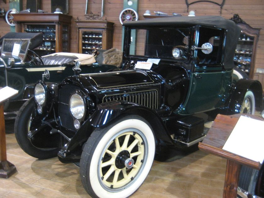 1917 Packard Twin Six 2-25 Convertible Coupe von Holbrook