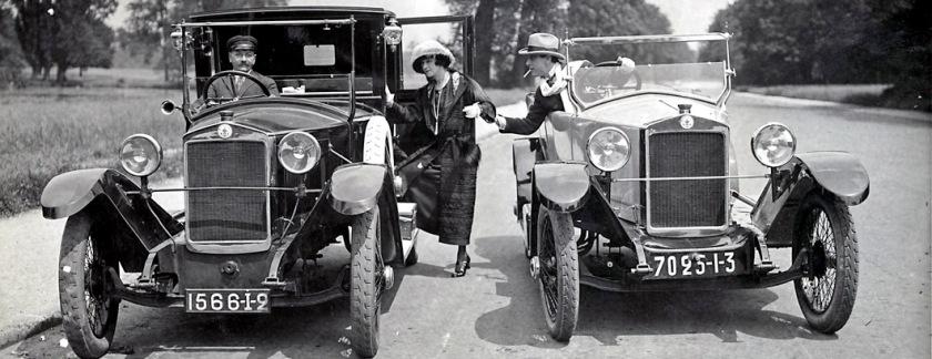 André Brulé et l'actrice Madeleine Lely présentent leur VF Berliet.