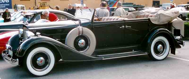 1934 Eleventh Series Eight model 1101 convertible sedan