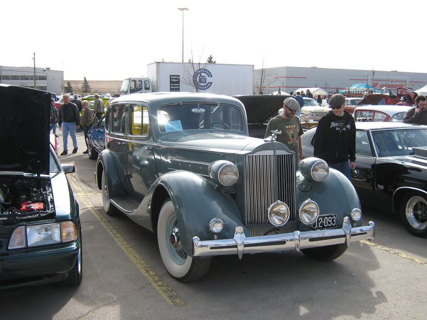 1935 Packard Eight Model 1200 5-passenger Sedan (Style #803), Packards preisgünstigstes Senior-Modell