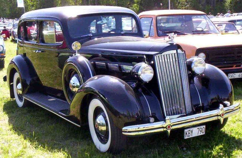 1937 Packard Fifteenth Series Eight 120-C 4-Door Sedan