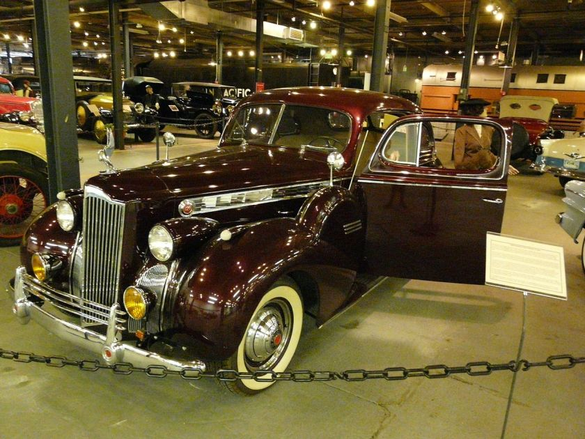 1940 Packard One-Twenty Coupé, 18. Serie. In Frage kommen 1801-1398 Business Coupe, 1801-1395 Club Coupe oder 1801-1395DE Deluxe Club Coupe (1940)