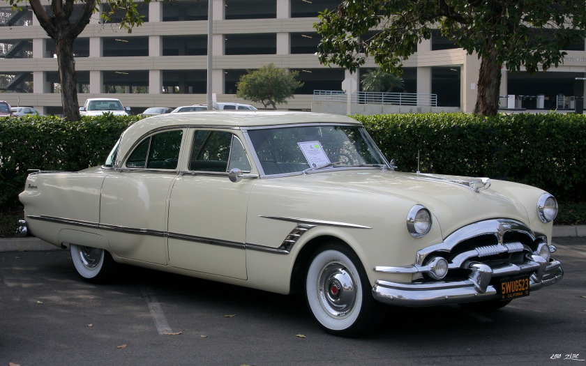 1953 Packard Cavalier Touring Sedan Modell 2602-2672 in Carolina Cream