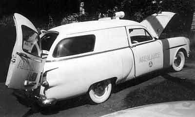 1953 Packard Henney-Jnr-amb-bw-400