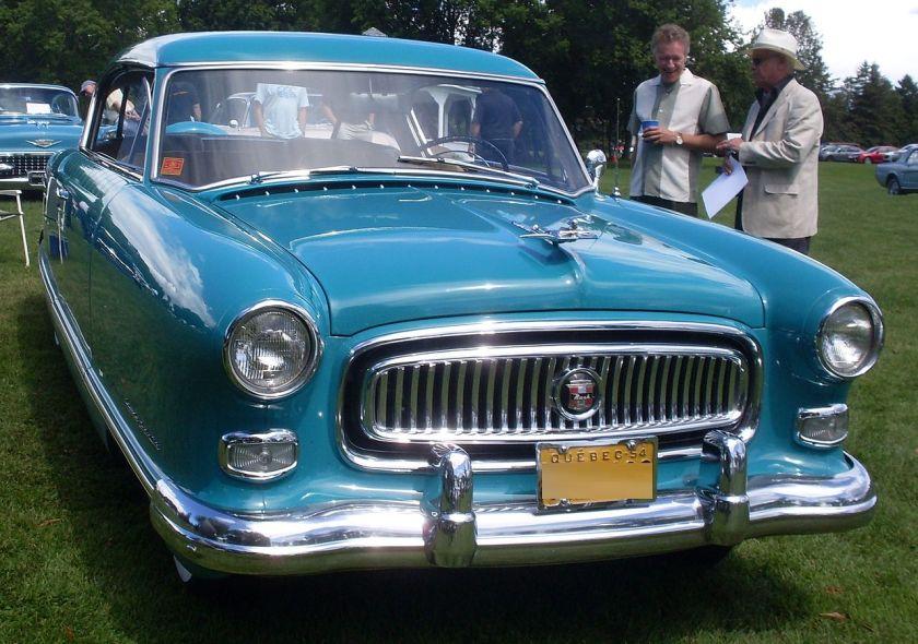 1954 Nash Ambassador Super Sedan. Grunddesign von 1952 mit etwas Beteiligung von Pininfarina am Entwurf