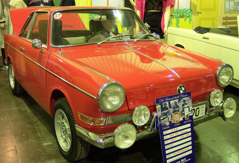 1961 BMW 700 Coupe red vr TCE