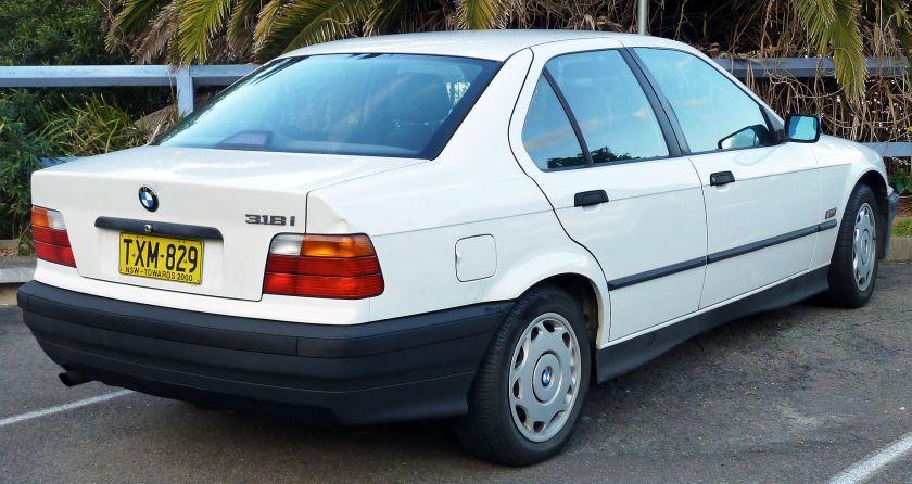 1991-1996 BMW 318i (E36) sedan 03