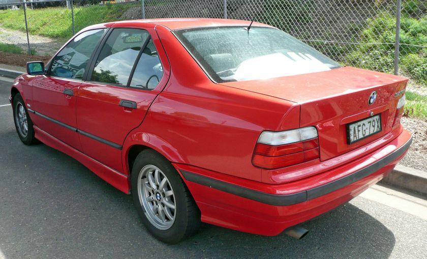 1996-1998 BMW 323i (E36) sedan 02