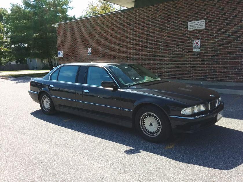 1997 BMW E38 L7 exterior
