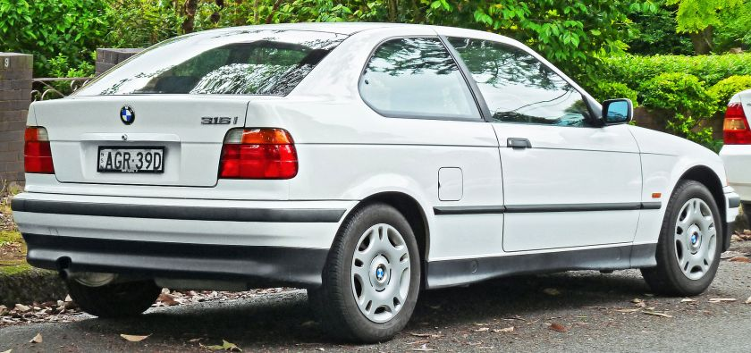 1998 BMW 316i (E36) hatchback 02