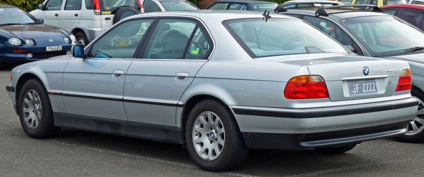 1998–2000 BMW E38 735i Sedan