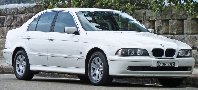 2000-03 BMW 525i (E39) Executive sedan01