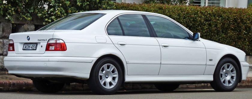 2000-03 BMW 525i (E39) Executive sedan02