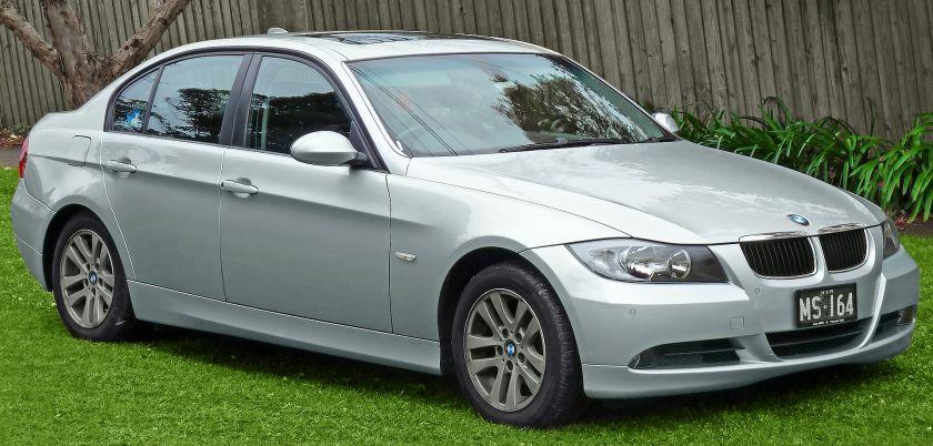 2005-08 BMW 320i (E90) sedan 01