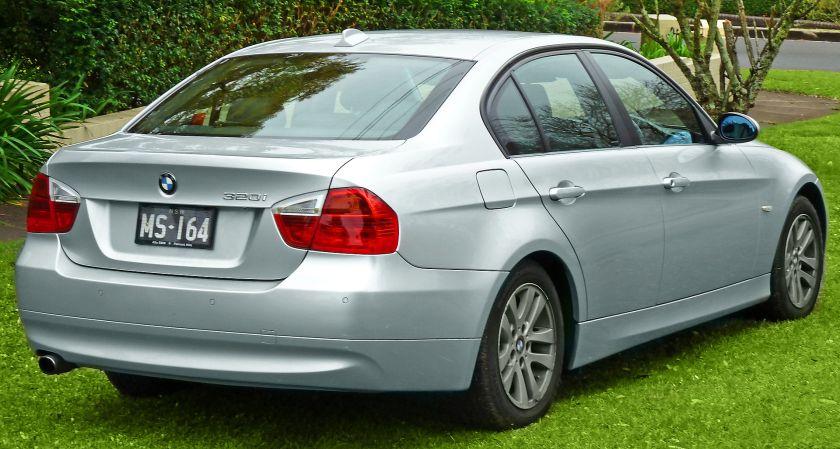 2005-08 BMW 320i (E90) sedan 02