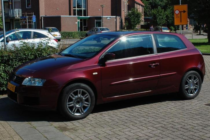2009 Fiat Stilo 2.4 abarth 20V 3DR Selespeed Rood panoramisch dak