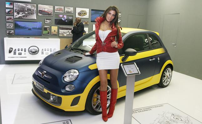 2012 Abarth-695-Furio-Serie-main1