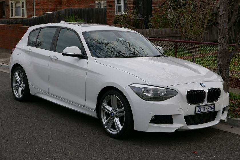 2012 BMW 125i (F20) 5-door hatchback 01
