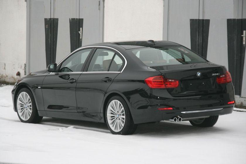 2012 BMW 328i F30 hl