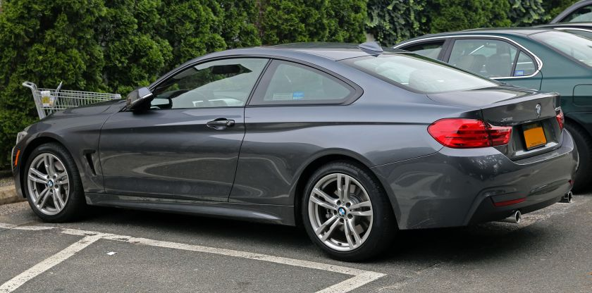 2014 BMW 435i Coupé xDrive (rear left)