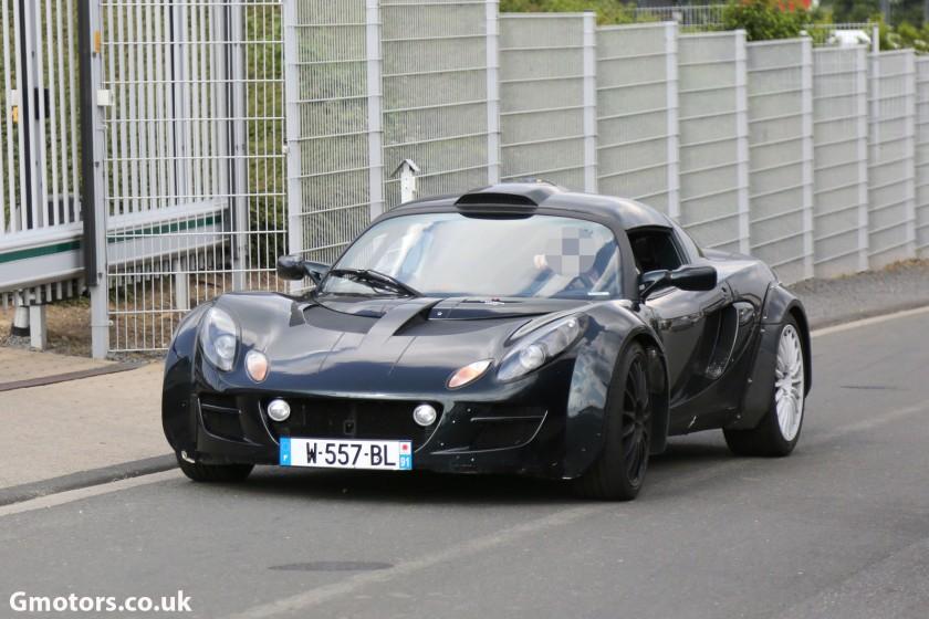 2015-Renault-Caterham-Alpine-chassis-testing-mule-7