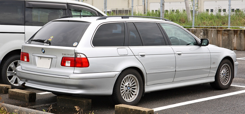 BMW 525i station wagon Touring (Japan)