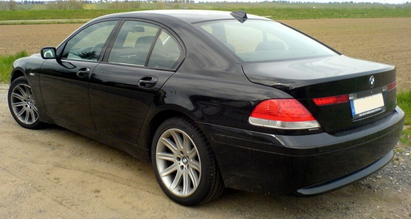 BMW 7er E65 Bangle butt 82 schwarz hl