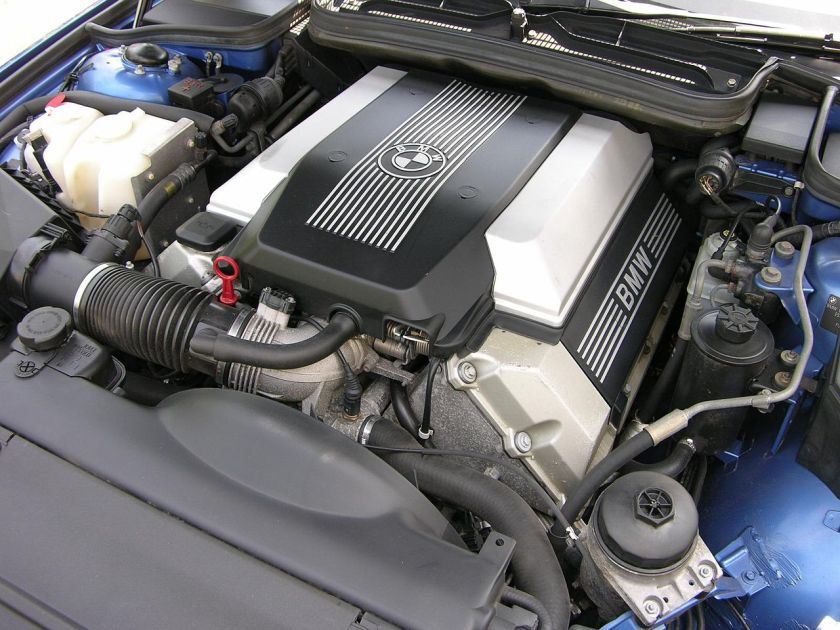 BMW 840 Ci Sport E31 M62 V8 engine