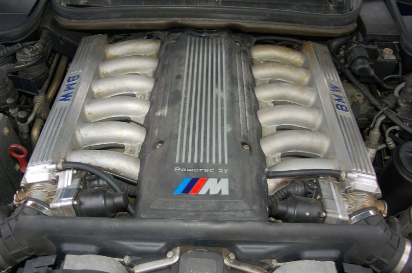 BMW 850 CSi S70 V12 E31 engine