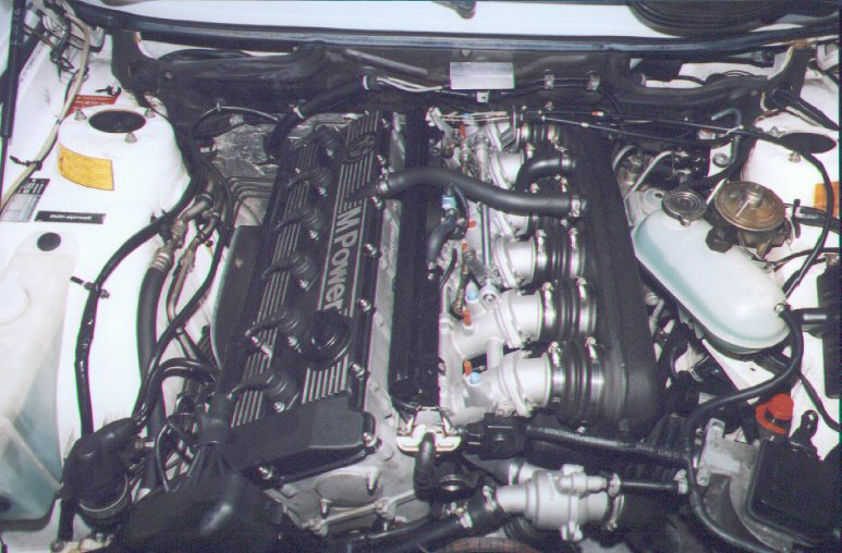 BMW E28m5 engine 01