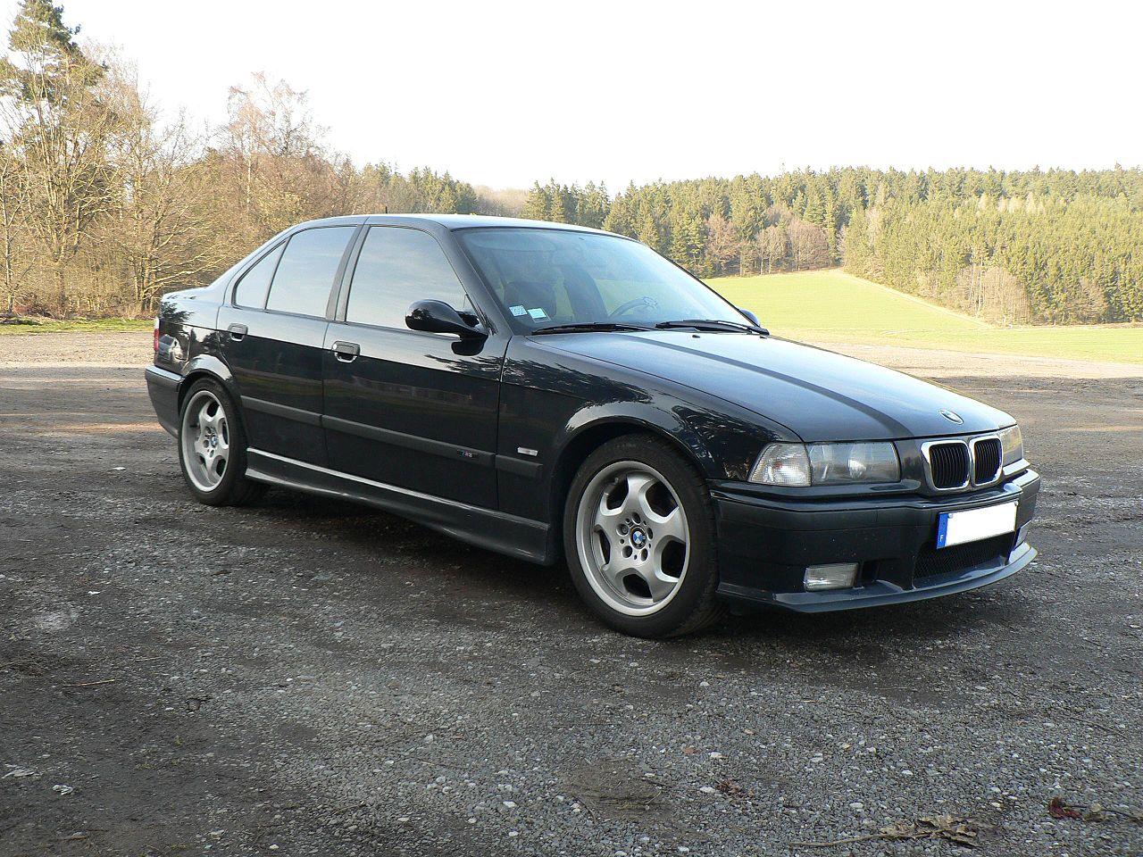BMW M3 E36 1995-1999 Passenger Right Quarter Moulding Genuine 51 13 2 233 690