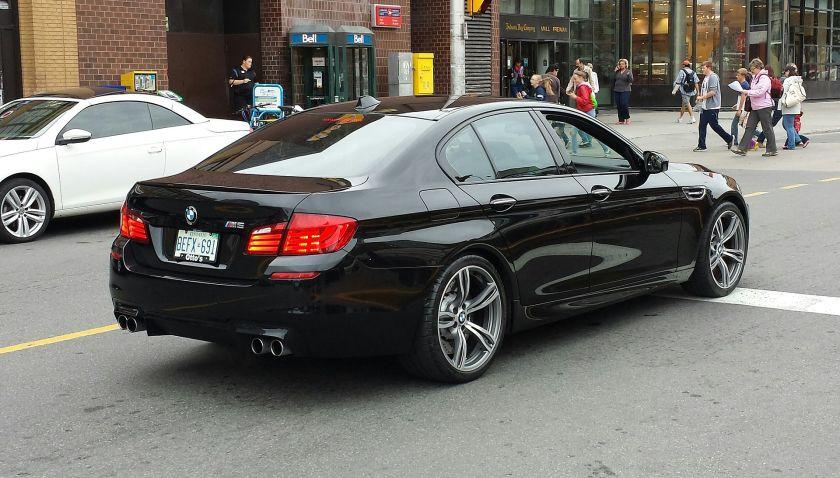 BMW M5 (F10) rr Ottawa black