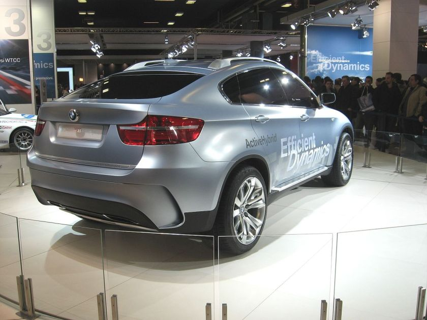 BMW X6-ActiveHybrid Rear-view