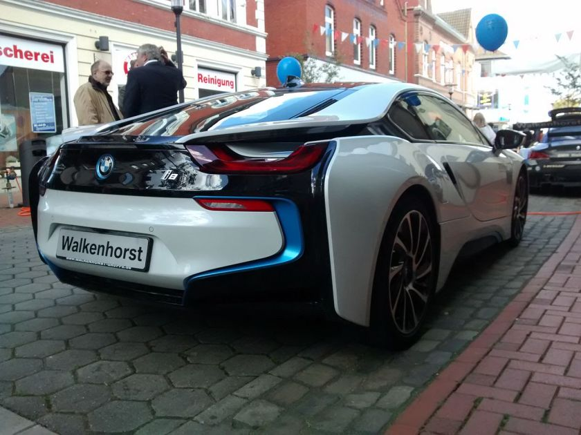 BMW_i8_Backside