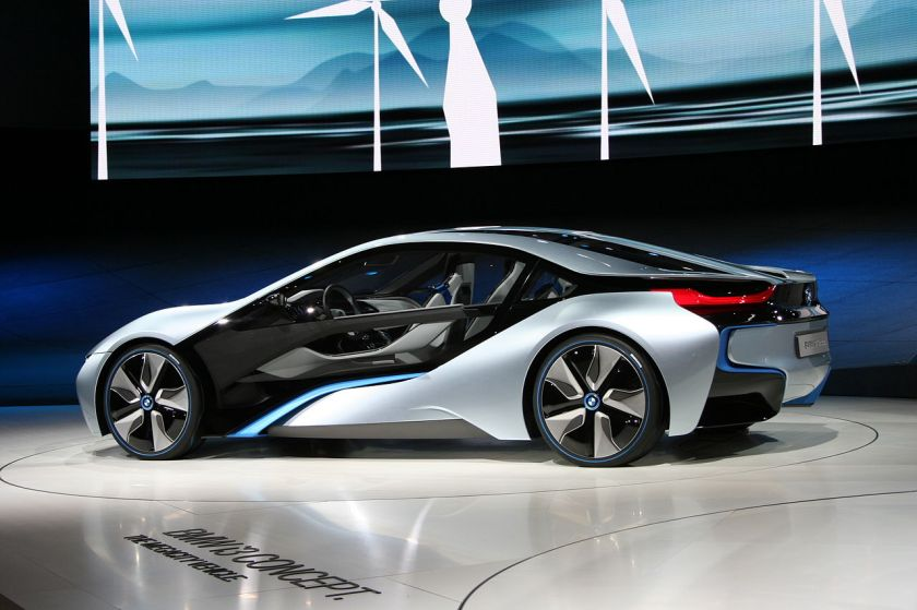 BMW_i8_Concept_IAA_side