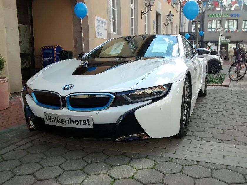 BMW_i8_Frontside_2