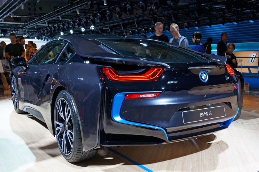 BMW_i8_IAA_2013_02_cropped