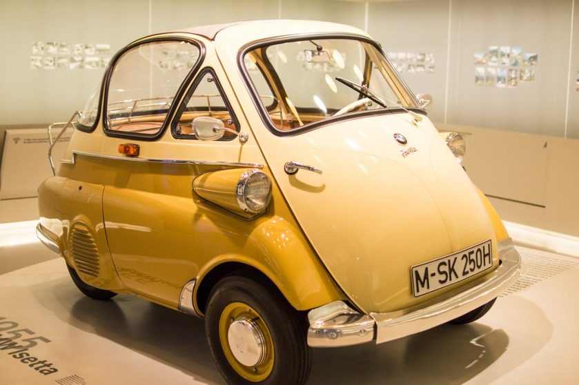 BMW_Isetta_yellow