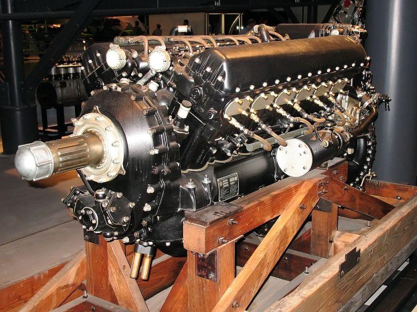 Kampfflugzeugmotor Packard V-1650-7 Weiterentwicklung unter Lizenz des Rolls-Royce Merlin V12 Zylinder, in dieser Version 1315 bhp