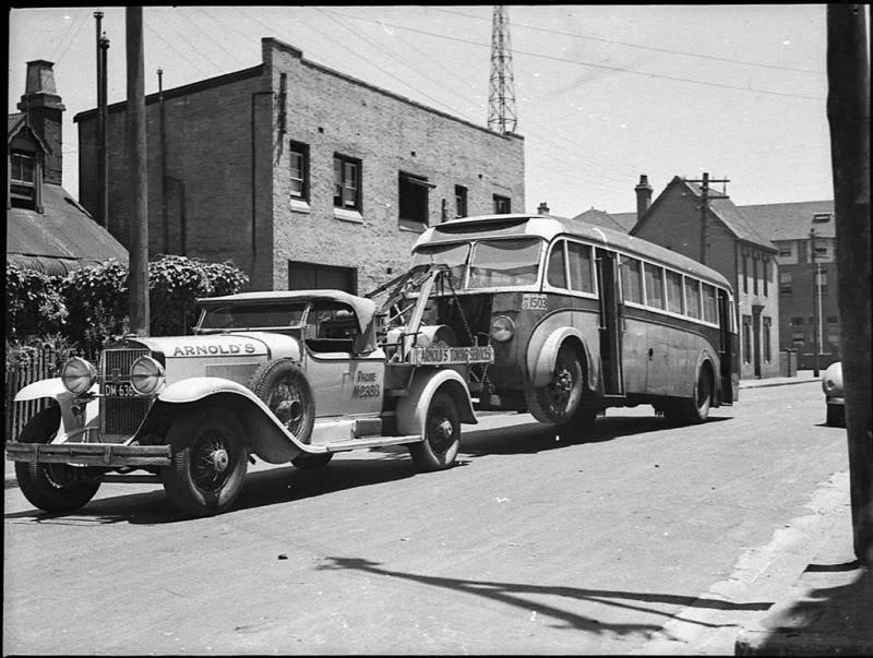Packard tow truck
