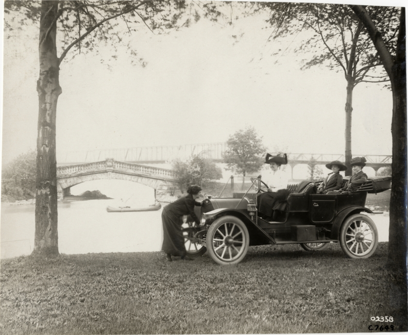 1911 Abbott-Detroit automobile on Belle Isle. Grab