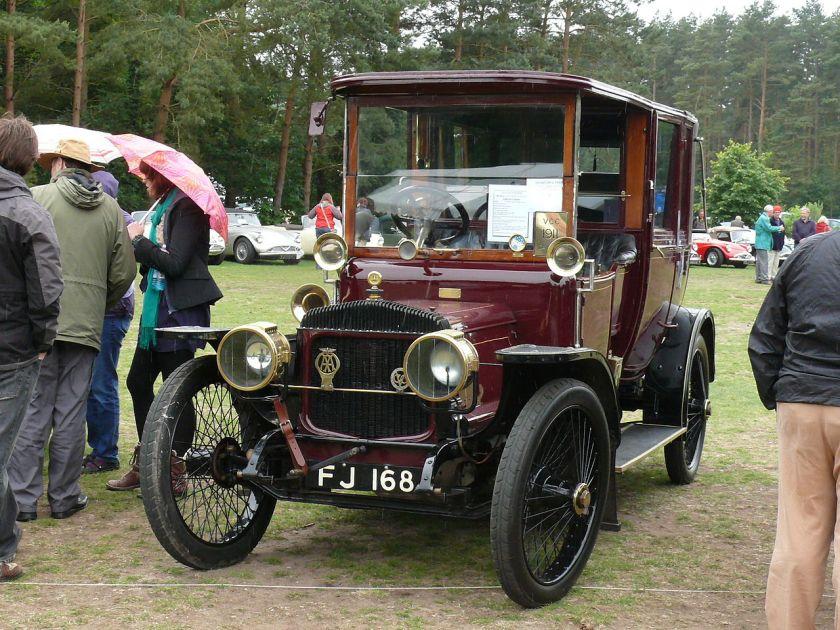 1911 Daimler 25hp landaulette
